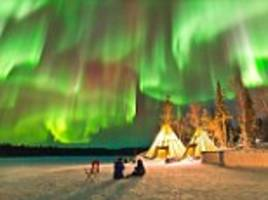 photographer captures amazing aurora borealis display in northern canada